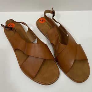 NWT Franco Sarto Mojo Leather Minimalist Sandals